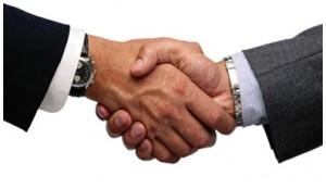 Традиционное рукопожатие